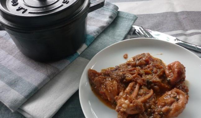 Pulpitos con cebolla y tomate